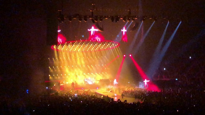 Fat Bottomed Girls by Queen Adam Lambert at O2 Arena July 4th 2018