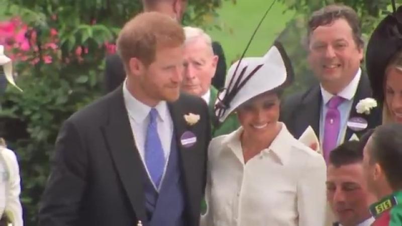 Prince Harry and Meghan, Duchess of Sussex present Ascot trophy to Frankie Dettori PrinceHarryAndMeghan MeghanMarkle FrankieDett