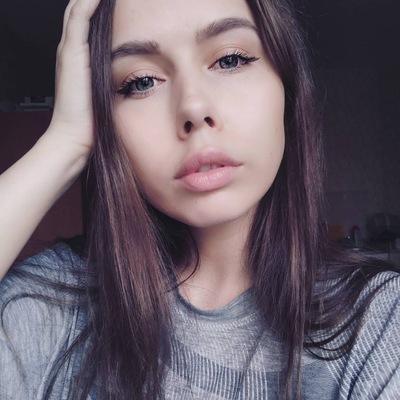 Лена Панова