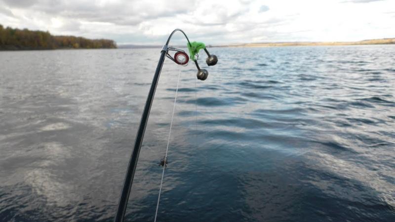 Безумная Рыбалка осенью 2018. Эти Рыбины рвут поводки. Мощные поклёвки Голавля и Язя