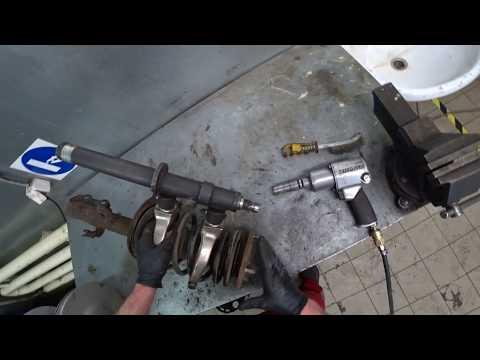 ТЦЛ. RAV-4. Замена переднего аммортизатора.