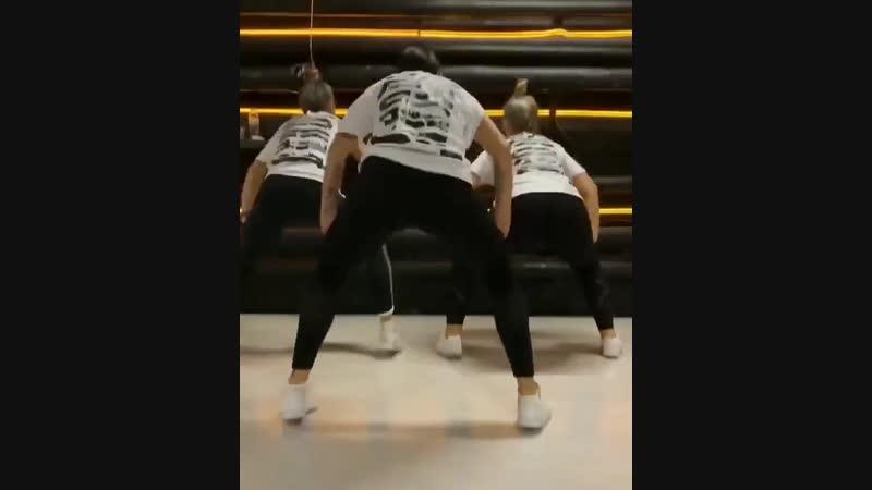 Dance.vine_43432969_1842946695818137_7701138778099607156_n