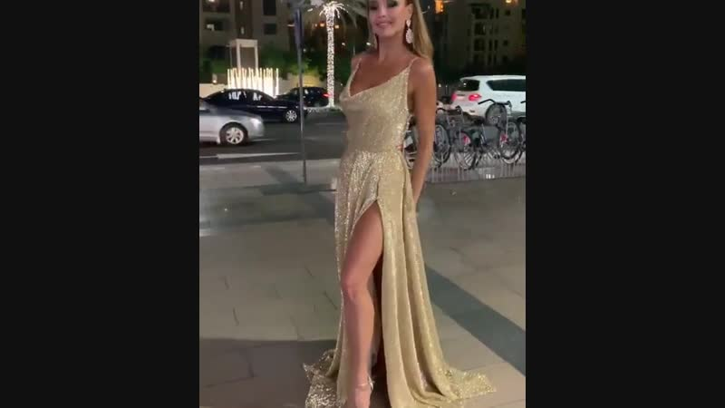 Нереальной красоты платье)