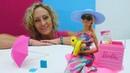 Barbie denize gidiyor! Sihirli kutudan plaj eşyaları çıkıyor!
