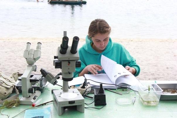 Занятие погидробиологии. Работа сопределителями (05.08.2013)