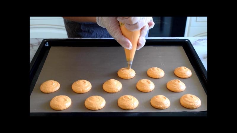 Macaron making)