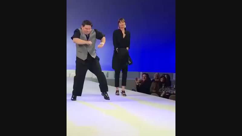 New Video of Dakota Shia LaBeouf and Zachary Gottsagen at the GlobalDownSy.mp4