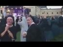 А тем временем... голландские монашки отжигают на open air!