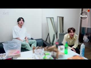 [bangtan bomb] j-hope & v reaction to txt cat & dog