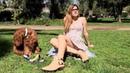 @silviaboschmunoz Estilo y Moda OOTD Falda con botas Pull Bar and Brott Dog