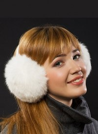 Наушники из искусственного меха также хорошо согреют ваши ушки от холода и стоят в несколько раз дешевле натуральных...