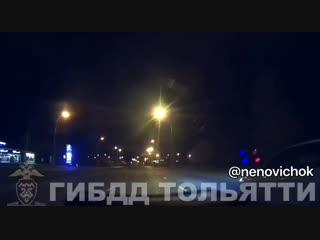 Сегодня сотрудники ДПС Тольятти устроили погоню за наглухо нетрезвой автоледи.