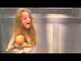 Пранк .Очень страшная девочка-призрак в лифте Бразилии