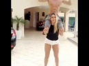 Идеальная девушка не носит  парня на руках.Она садит его на плечи и приседает=)