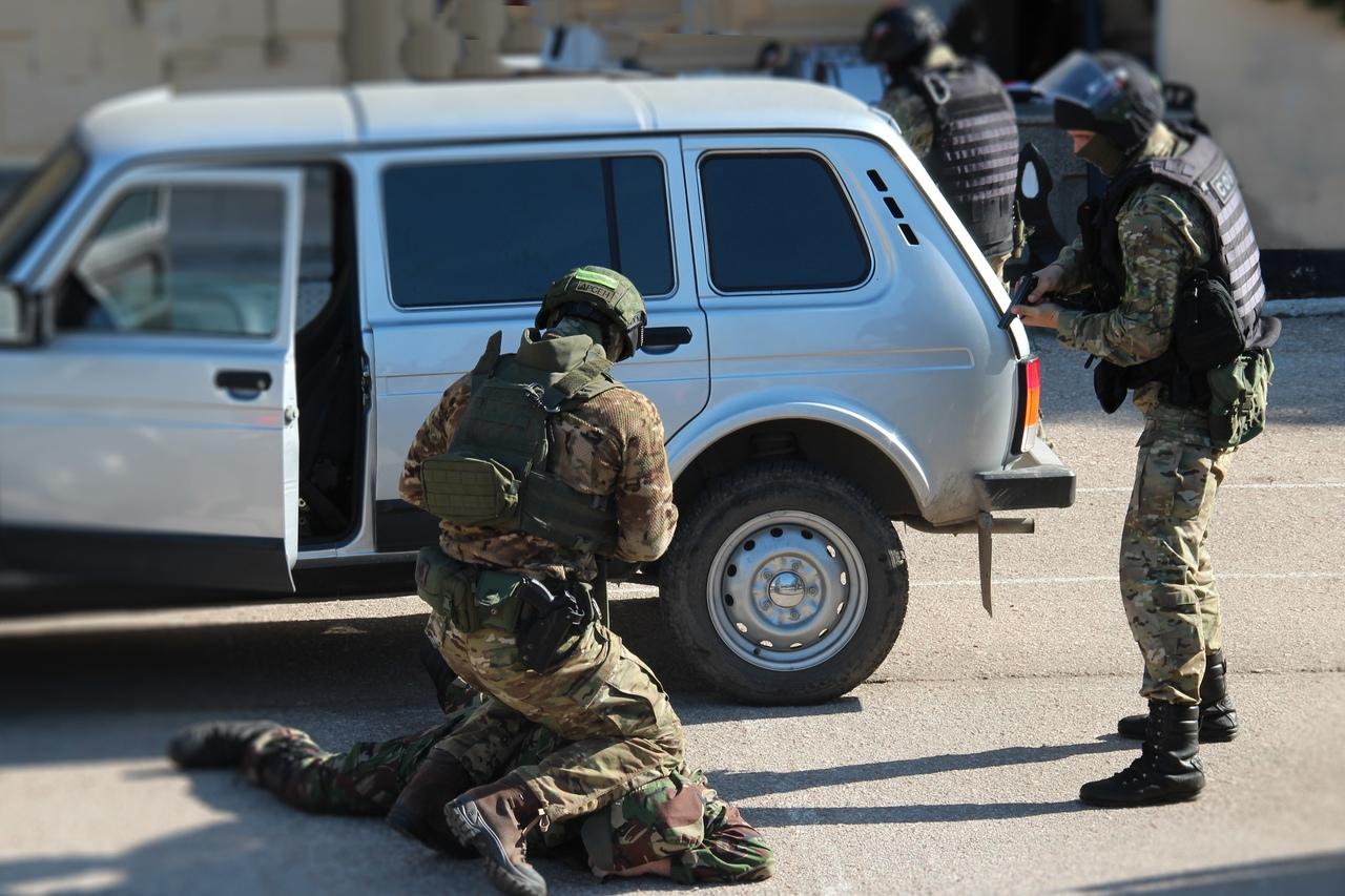 """Бойцы СОБР """"Сокол"""" задержали преступника, находящегося в федеральном розыске"""