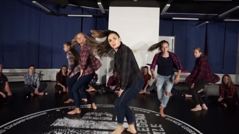 Dancehall by Olya Bambitta / mot - kapkan