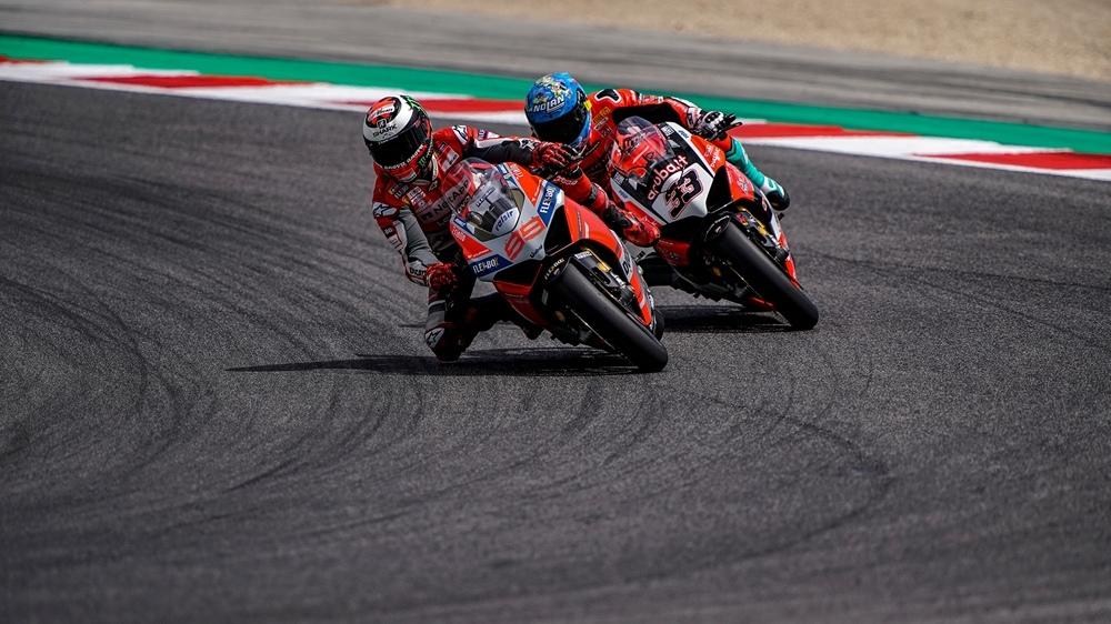 Все 13 мотоциклов Ducati Panigale V4 S Race of Champions продали с аукциона