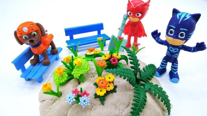 Видео с игрушками - Играем в детский садик и лепим из песка