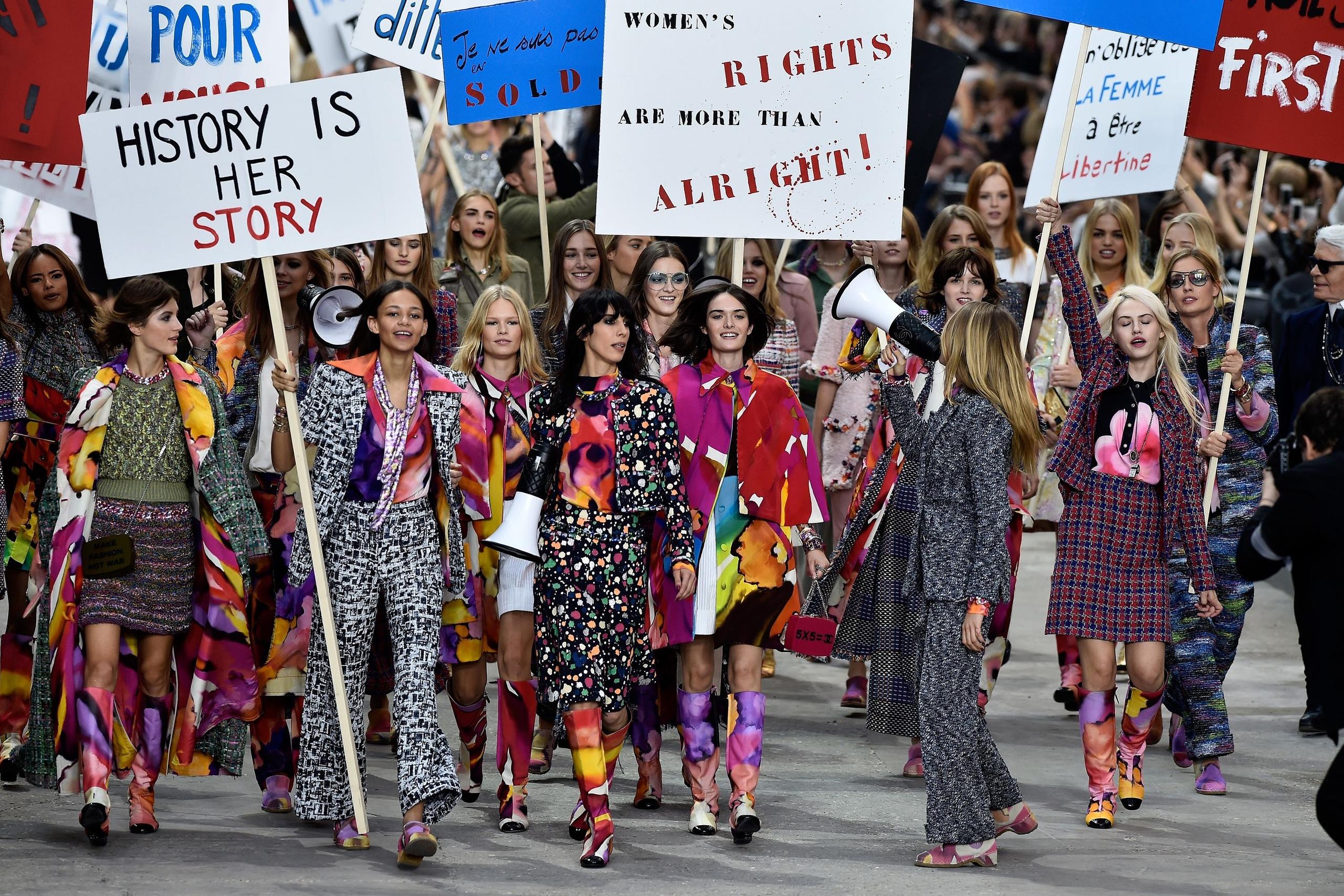 Как феминизм повлиял на моду и что из этого получилось?