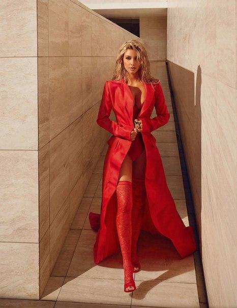 Ким на обложке Vogue/март