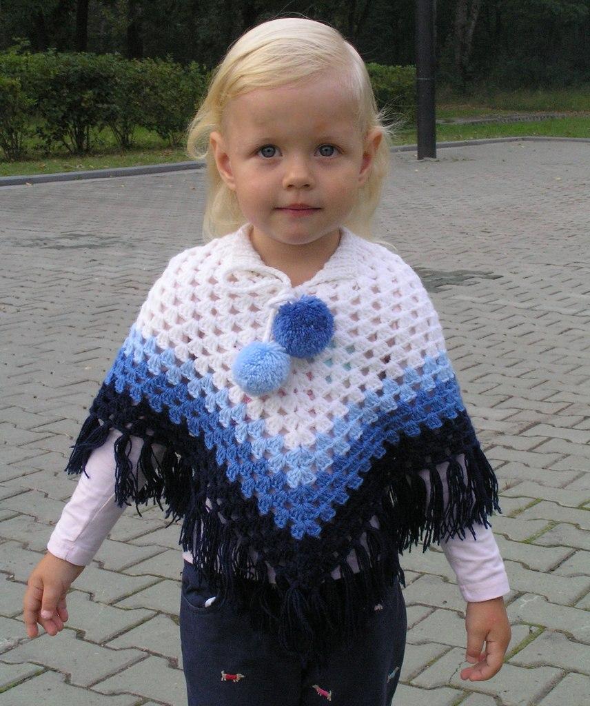 Вязание спицами пончо для девочек 3-5 лет 21