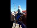 димасик катается на лошадке