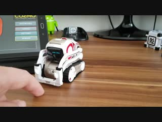 ANKI COZMO Fingerfangen l COZMO ловит палец ___ More in Playlist_ https_llwww.youtube.comlwatch_v=uP06uaI8dTI
