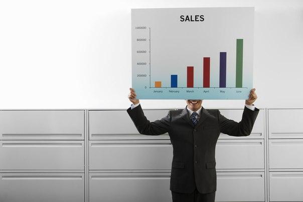В одной фирме объявили набор менеджеров по продажам.Пришел один канд