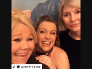 Мелисса Джоан Харт, Кэролайн Ри и Бэт Бродерик отмечают вместе Новый Год