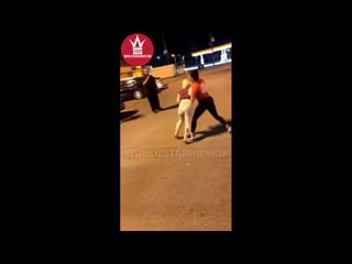 Girl catches a couple of 2 pieces & biscuit outside of church's chicken!
