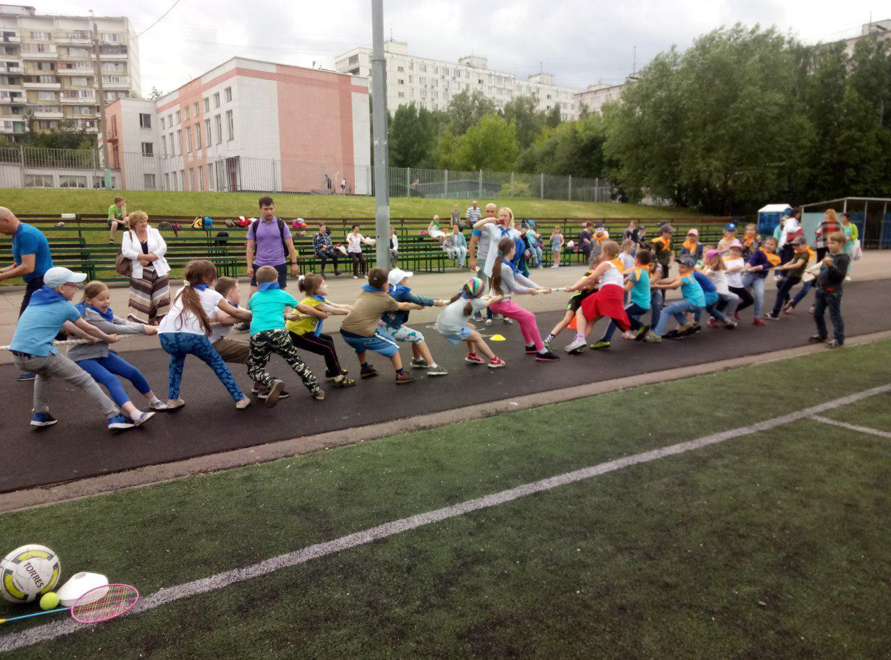 На стадионе «Бибирево» провели эстафеты и «веселые старты»