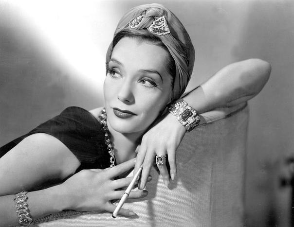 в 1944 году известная голливудская актриса лупе велес, которой тогда было 36 лет, решила покончить жизнь самоубийством. будучи человеком творческой профессии, она придумала красивый сценарий,