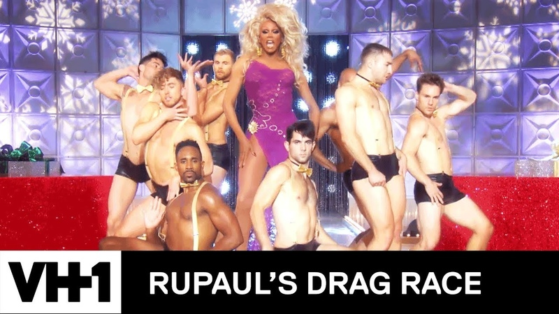 RuPaul Performs Hey Sis, It's Christmas 🎄 | RuPauls Drag Race Holi-Slay Spectacular