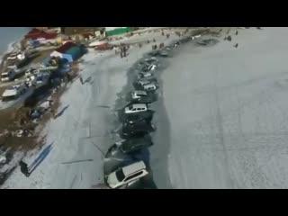 Во владивостоке 30 автомобилей провалились под лёд