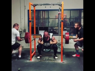 Дэн Грин, приседания 285 кг на 8 раз