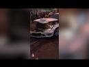 Белый Мерседес протаранил автомобили на Большой Татарской в Москве