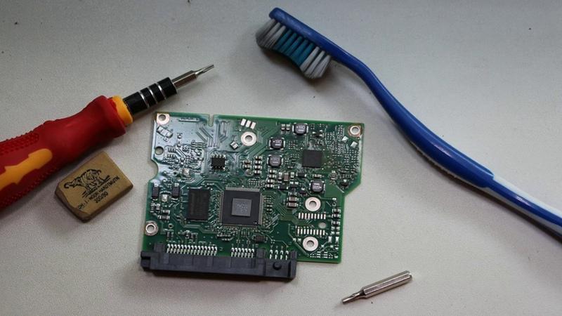 Восстановить жесткий диск SATA IDE HDD резинкой и щеткой