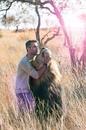 Специалист по поведенческим особенностям диких животных Кевин Ричардсон со своими любимцам…