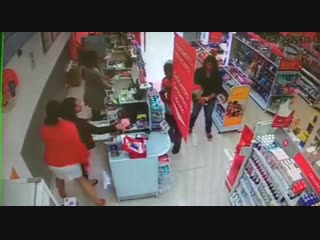 Robber pretending to have a gun gets arrested by security guard doing the same.