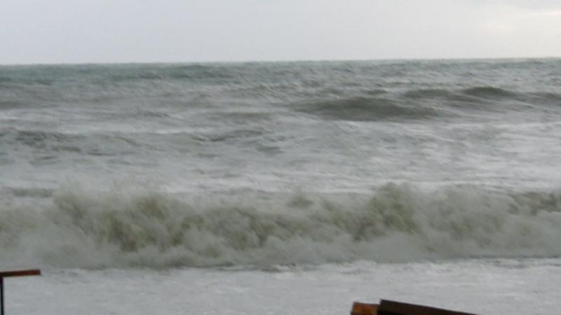 Шепси Красота и сила волн высотой до 3 5 метров