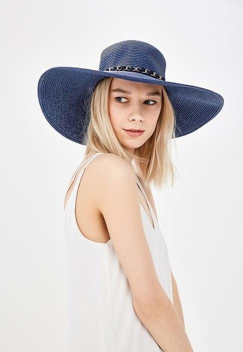Соломенная шляпа должна быть в модном арсенале у каждой девушки.