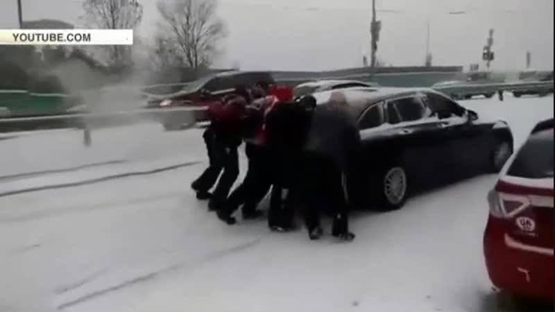 Первый снегопад в Киеве спровоцировал почти 500 аварий
