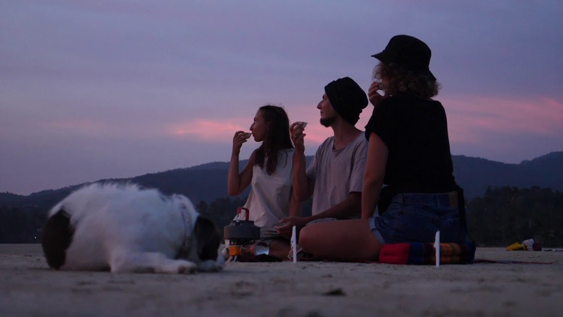 Чайная церемония на отмели пляжа Hin Kong. Koh Phangan