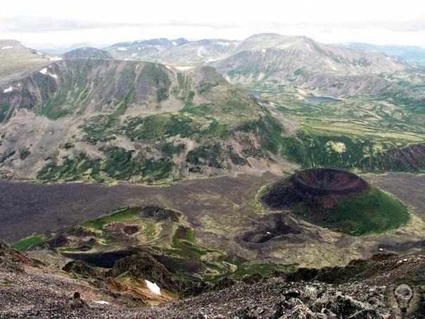 Вулканы на Байкале снова проснутся Факт того, что на Байкале существуют вулканы, не так широко известен. Но они есть и манят таинственностью гор окаменелой лавы, разнообразием красок