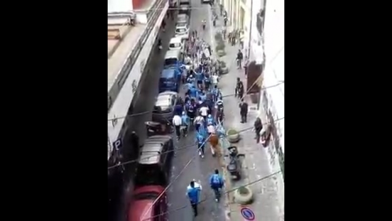 The brilliant moment Napoli fans Juventus fans met each other down the same street in Turin... - -