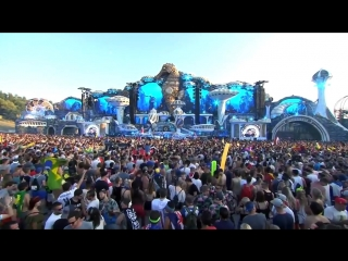 Aviciis unreleased track 'Heaven' with Coldplay played live by Nicky Romero at Tomorrowland!