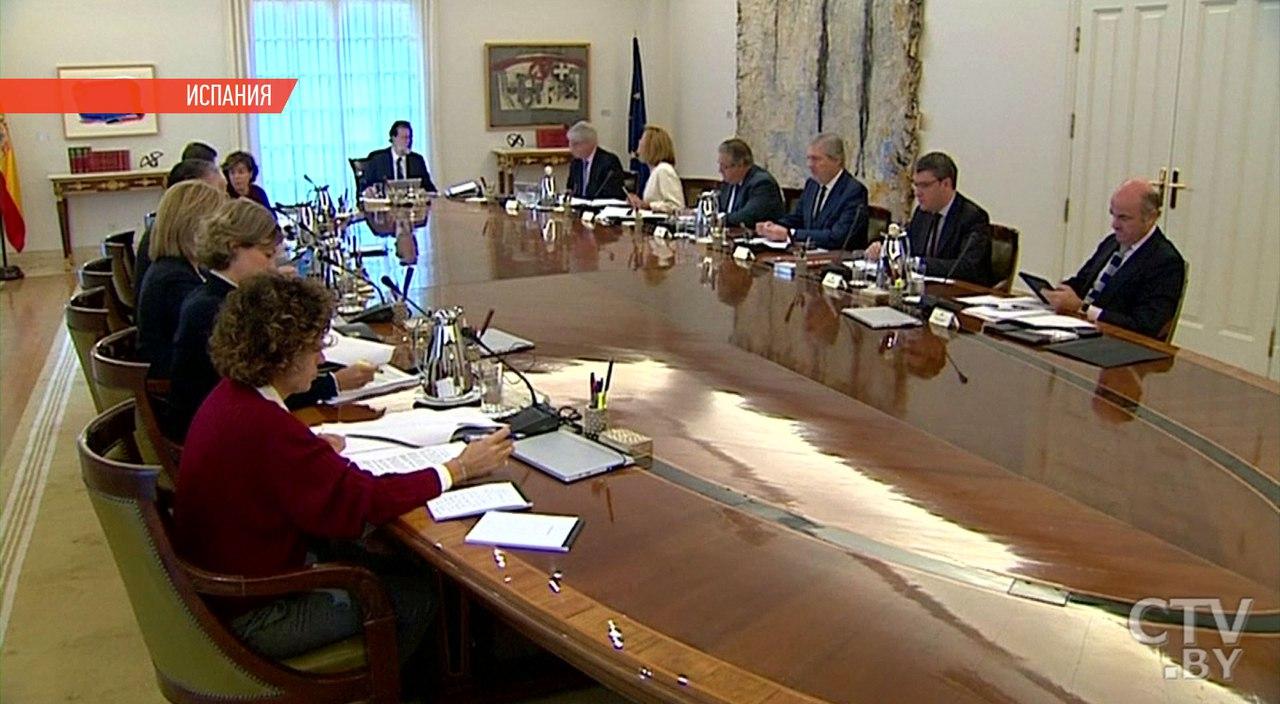 Мадрид приостановит полномочия автономного руководства Каталонии