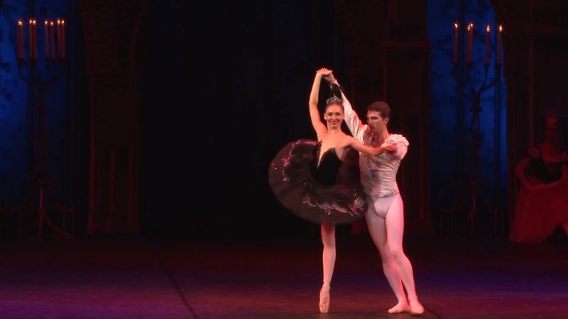 Фрагмент из балета Лебединое озеро Одетта Одиллия Екатерина Кужнурова Зигфрид Денис Сапрон