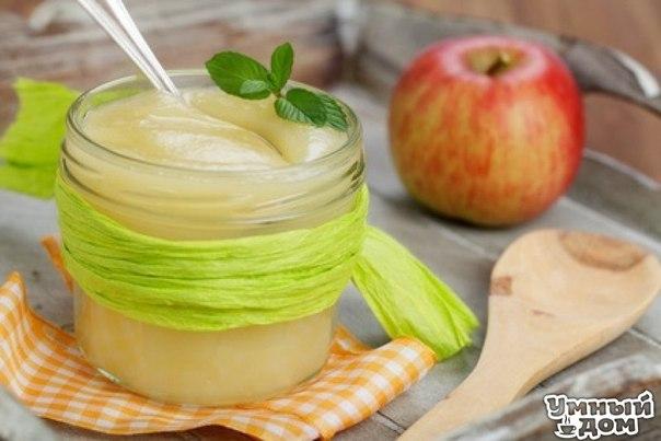 Яблочный соус Яблочный соус — прекрасное дополнение к блюдам из свинины, утки и гуся, а также к блинам и оладьям. Базовый рецепт яблочного соуса можно изменять или дополнять по вкусу. Сейчас, когда поспевает урожай яблок, самое время приготовить яблочный соус и запастись им на зиму, ведь он отлично сохраняется в морозилке. В этой статье — рецепт яблочного соуса и некоторые идеи о том, как его приготовить. Яблочный соус — традиционное блюдо европейской и североамериканской кухни. В…