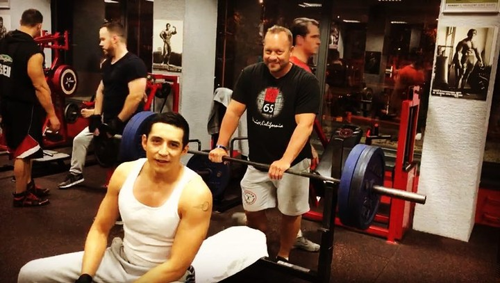 """Gabriel Luna on Instagram: """"How to cap off a 12 hour shoot day? Throw up 100 kilos and set a new personal best. 💯💪🏽 terminator stayready chestda..."""